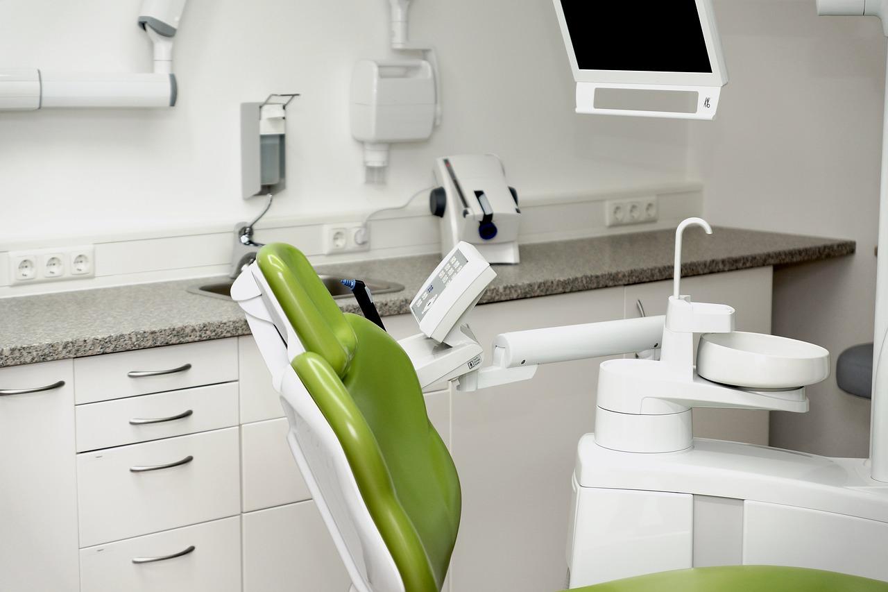 dental-chair-5695764_1280