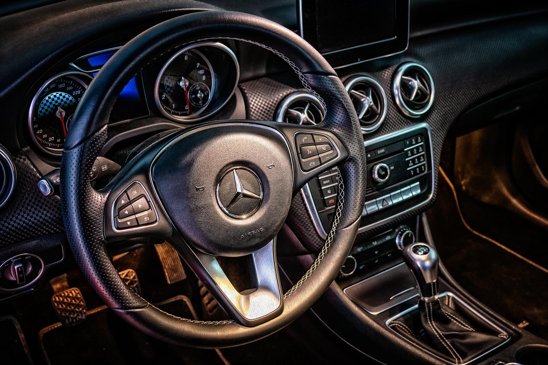 interiér moderního auta
